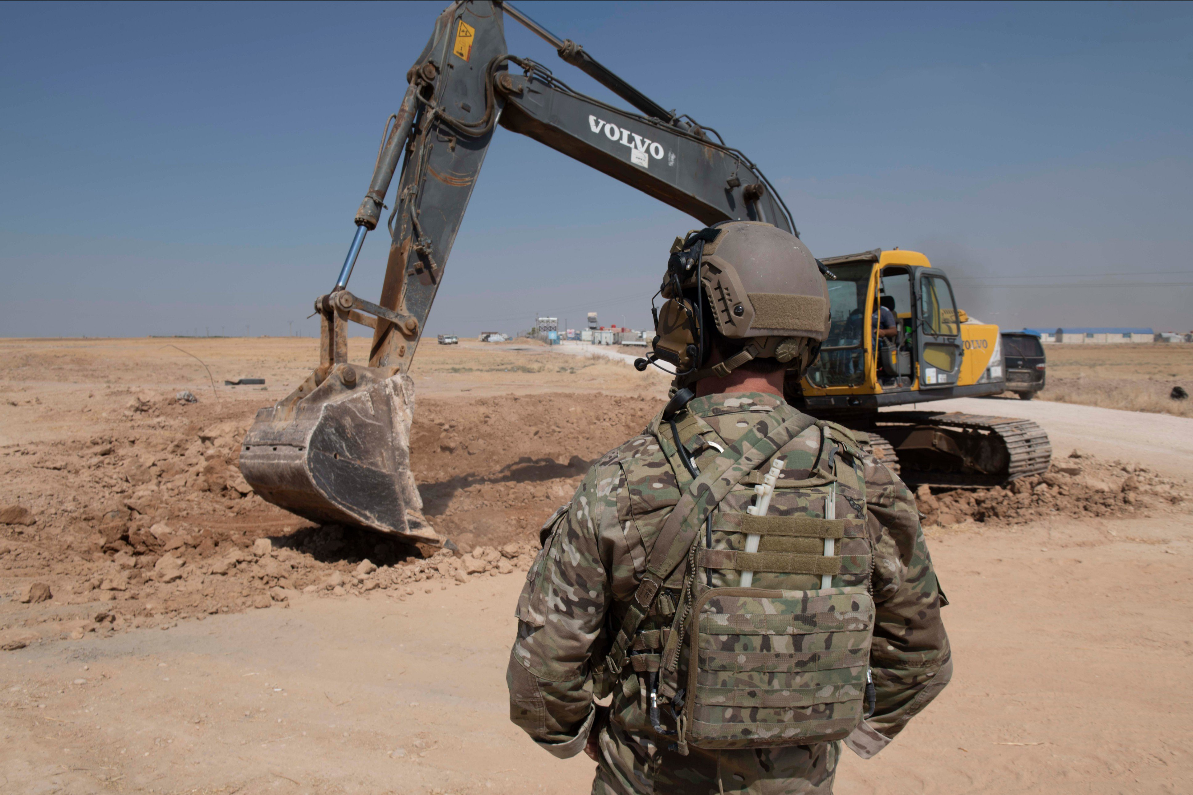 Syrian Democratic Forces (SDF) during the removal of military fortifications on the Syrian-Turkish borders. August 22, 2019 (Pentagon)