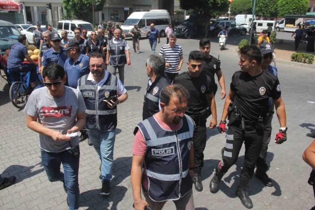 Turkish police raiding Syrian shops in Adana Province - July 10, 2019 (Taraf Medya)