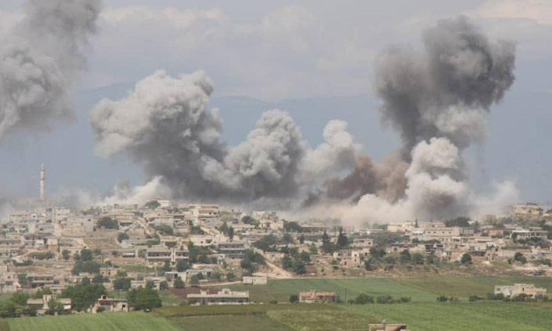 Helicopter raids targeting al-Hubit town in the southern countryside of Idlib, May 12, 2019 (Coordination of Idlib)