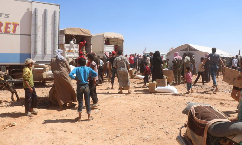 Internally displaced Syrians in the al-Rukban camp, on the Syrian border with Jordan, during the distribution of UN aids – September 6, 2019 (Badia 24)