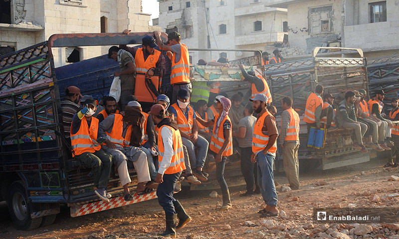 """Locals working under the """"Cash for Work"""" project in the city of al-Bab, eastern Aleppo – October 2, 2019 (Enab Baladi)"""