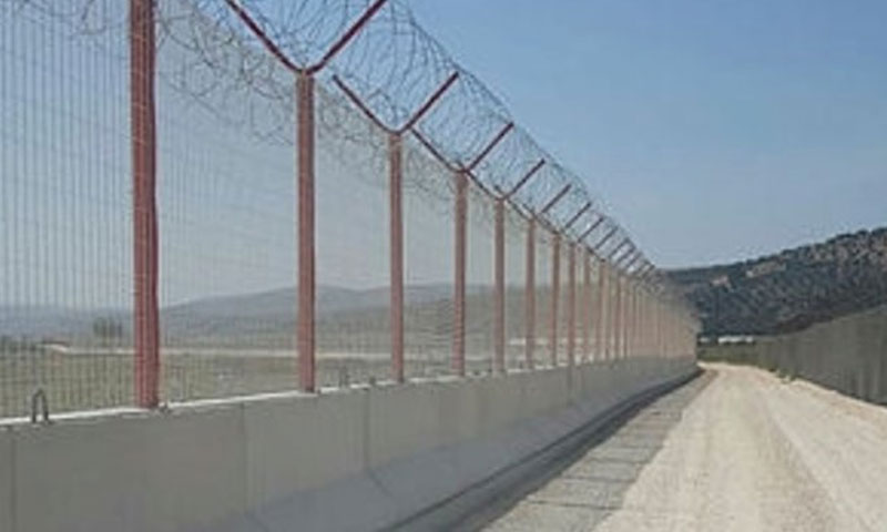 The concrete security wall on the Syrian-Turkish border strip (Daily Sabah)