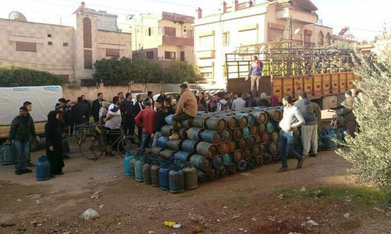 A non-authorized center for selling gas cylinders in Daraa (Daraa Today Facebook page)