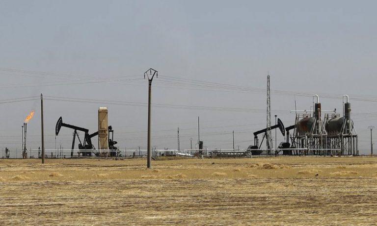 Rmelan oil field in Hasakah Governorate, northeastern Syria - October 2017 (AP)