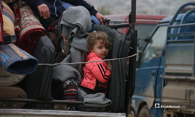 Hundreds of families from the western countryside of Aleppo have been displaced to the cities of Afrin and Azaz to escape the bombing - 18 January 2020 (Enab Baladi)