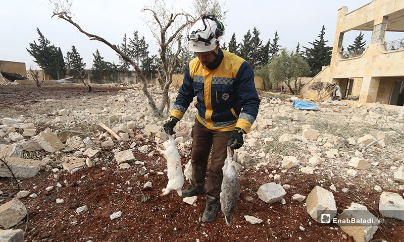 Syrian Civil Defence members inspect the damage to civilian homes in the aftermath of Russian airstrikes - 18 January 2020 (Enab Baladi)