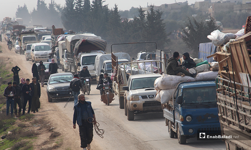 Residents of Jabal Zawiya area are forced to flee towards the Turkish border as a result of  the bombing of the regime forces and Russia -  27 January 2020 (Enab Baladi)