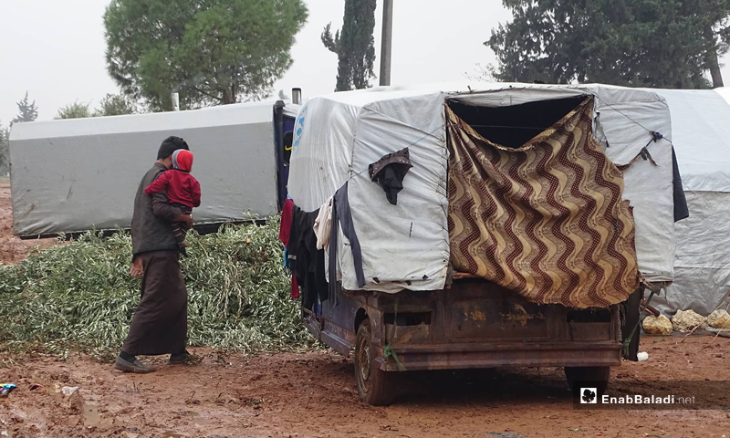 Hasan al-Hamad's mobile tent in the random refugee camp of Shakir near the city of Azaz in the northwestern countryside of Aleppo - December 25, 2019 (Enab Baladi)