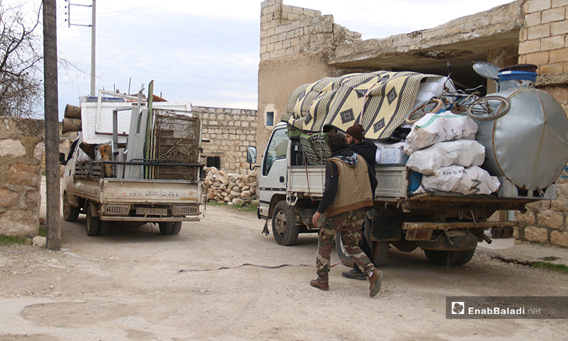 Small trucks loaded with furniture for some Syrian displaced civilians in Khan al-Asal in rural Aleppo - 16 January 2020 (Enab Baladi)