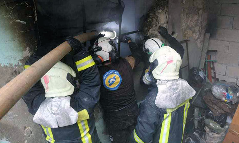 Civil Defense staff put out fires caused by the bombing of the Syrian regime and Russia on Idlib - January 16, 2020 (Civil Defense)