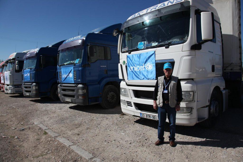 UNICEF trucks waiting to cross into Syria via Turkey - 2014 (UNICEF)