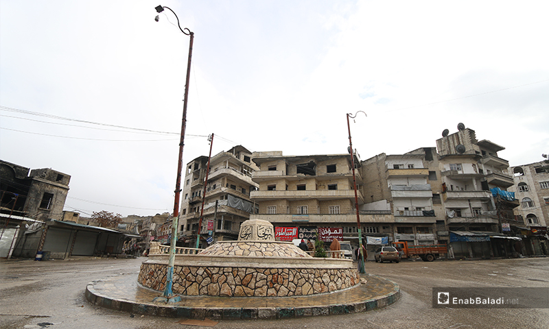 Ariha Town Square is empty of its residents due to the shelling and the progress of the Syrian regime forces  - 8 February 2020 (Enab Baladi)