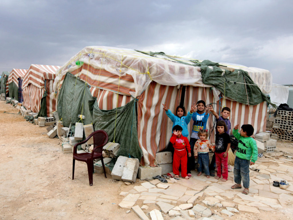 Syrian refugee children in Aarsal - 2 October 2012 (AP)