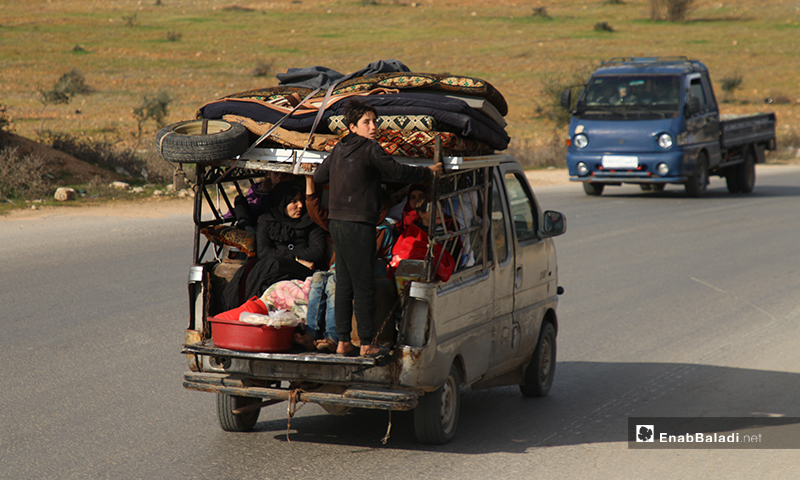Families displaced from Ariha and Jabal al-Zawiya to the Syrian-Turkish border-28 January 2020 (Enab Baladi)