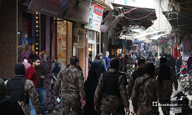 Groups of officers and special forces arrive at Novoteh street in the al-Bab city to break up the social gatherings as part of preventive measures against the novel coronavirus (Covid-19) – 28 March 2020 (Enab Baladi)