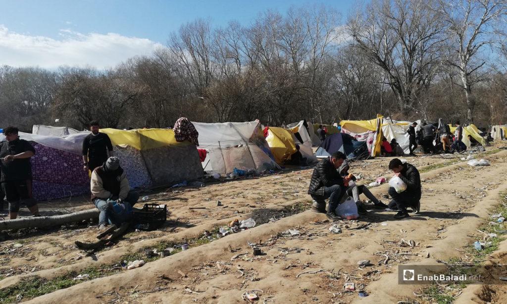 Syrian refugees camped on the Turkish-Greek border - 7 March 2020 (Enab Baladi)