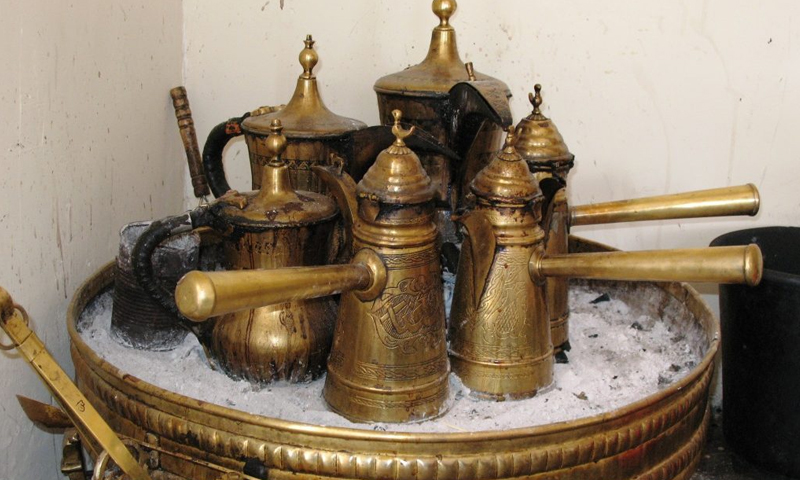 Traditional Arabic bitter coffee pots (Internet)