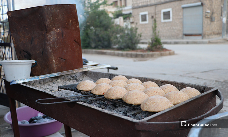 Grilled kibbeh before the call to sunset prayer and iftar in al-Bab city in rural Aleppo – 25 April 2020 (Enab Baladi)