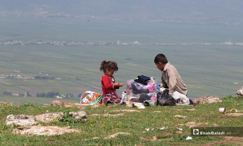 Displaced children in Jabal Shashabo, al-Ghab Plain (Enab Baladi)
