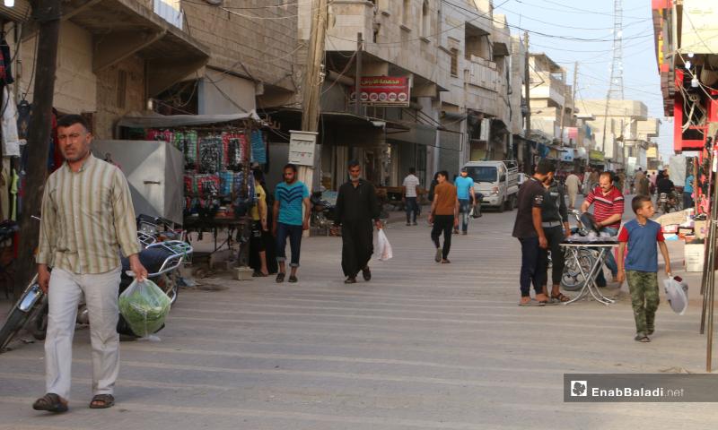 Residents buying their needs in Ramadan's final days in Marea city's street market of northern Aleppo countryside – 20 May 2020  (Enab Baladi - Abdul al-Salam Majaan)