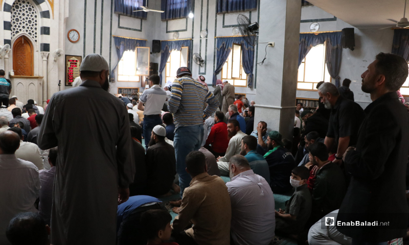 The residents of al-Bab city performing the first communal Friday prayer after lifting the curfew which was part of the measures taken to stem the spread of the novel coronavirus (COVID-19) pandemic – 29 May 2020 (Enab Baladi / Asim Melhem)