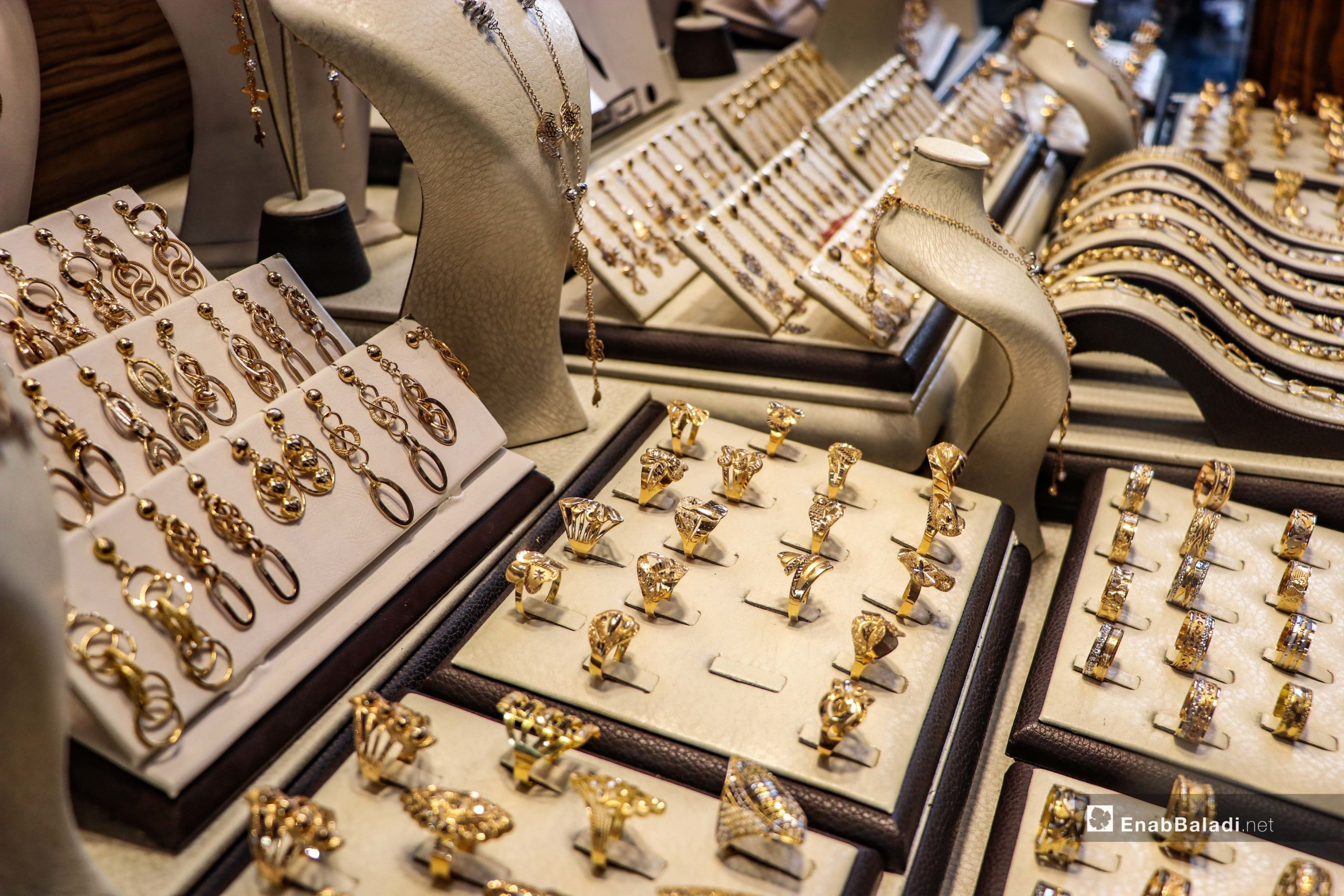 Gold jewellery and money exchange shops in al-Bab city in northern Aleppo countryside – 04 June 2020 (Enab Baladi – Asim Melhem)