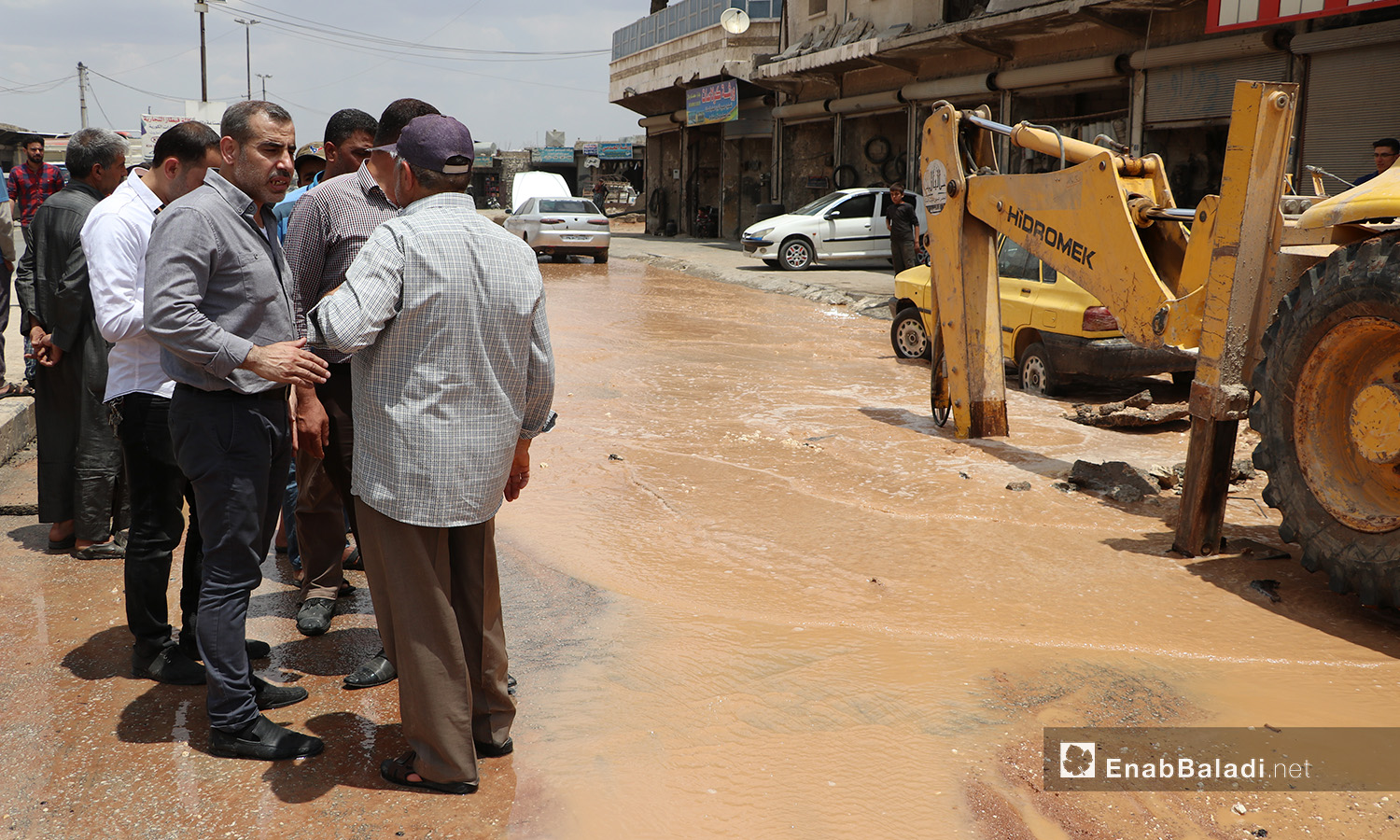 Workers performing the maintenance work for the water pipes system in al-Bab city in northern Aleppo countryside – 20 June 2020 (Enab Baladi / Asim Melhem)