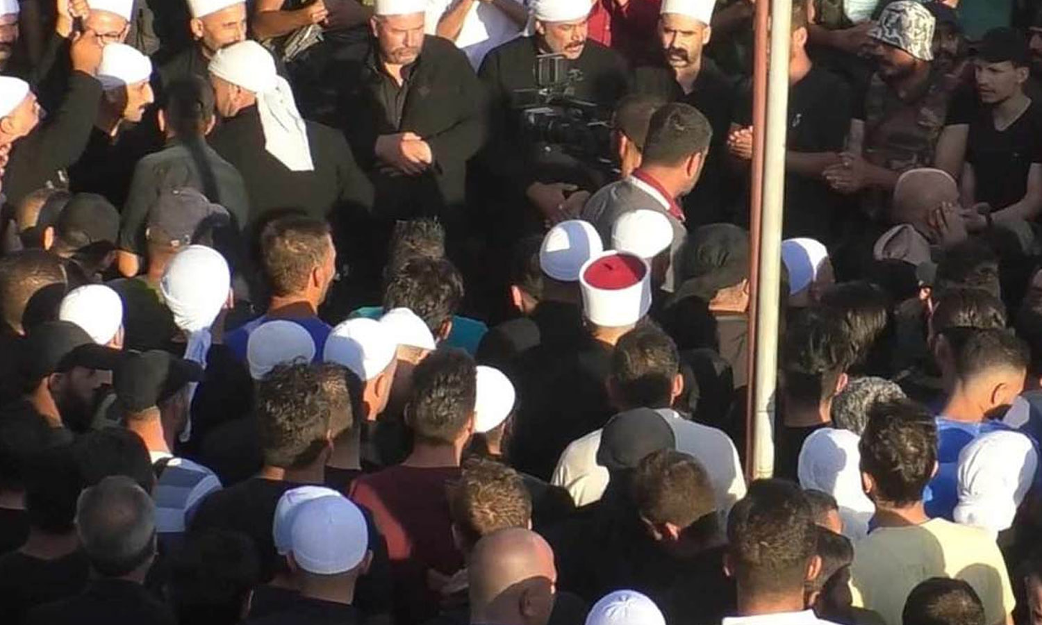 A gathering of the Men of Dignity Movement and their supporters in the governorate of As-Suwayda (Suwayda24)