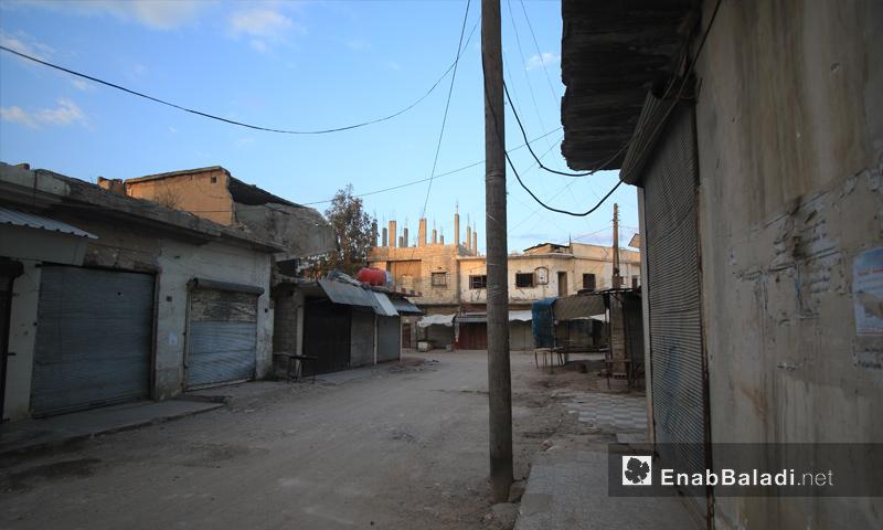 The closure of shops in Saraqib city of Idlib countryside due to bombing - 26 April 2019 (Enab Baladi)