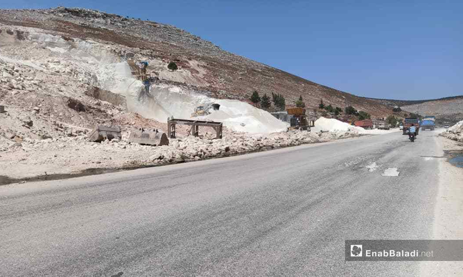 A stone quarry near the camps of Deir Hassan in the northern countryside of Idlib -12 September 2020 (Enab Baladi)