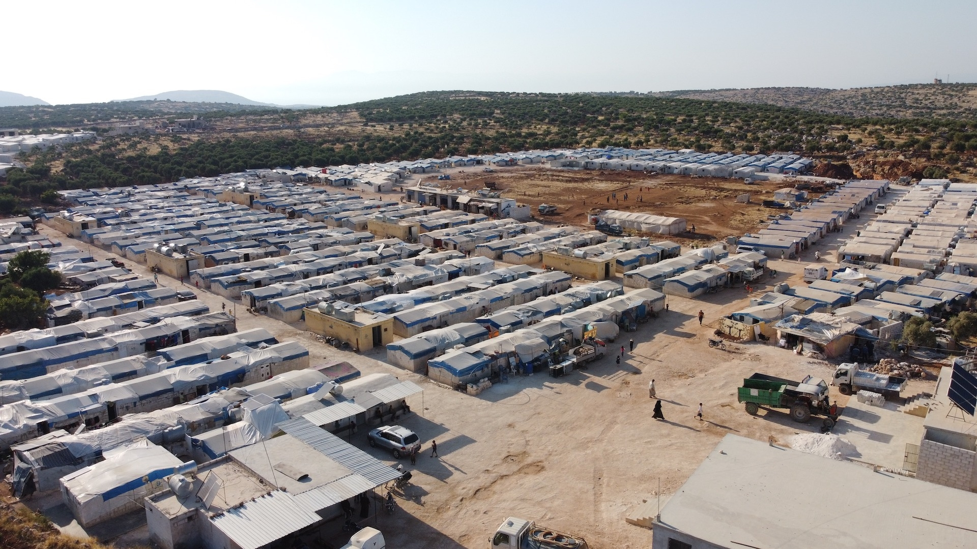 """The """"One Thousand Housing Units"""" project aimed at securing shelter for a thousand of displaced families from Idlib (Molham Volunteering Team)"""