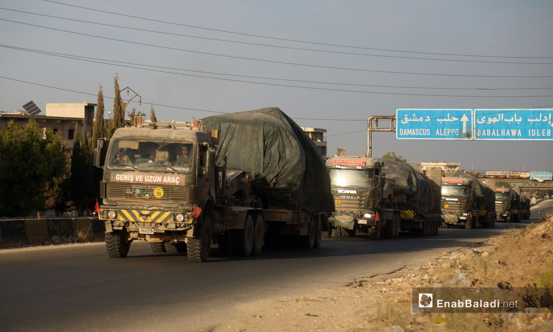 Turkish military vehicles evacuate military posts in northern Hama heading to the village of Kokfeen in Jabal al-Zawiya, south of Idlib - 20 October 2020 (Enab Baladi / Yousef Ghuraibi)