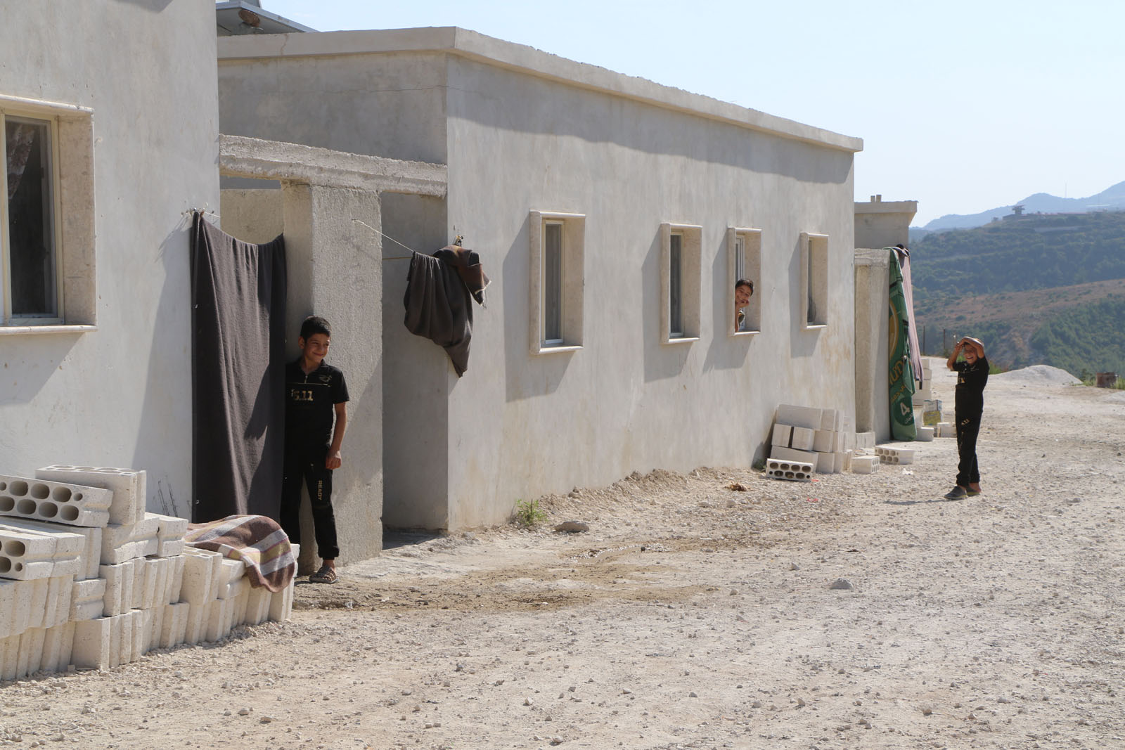 """The completion of the first phase of the """"Peace Village"""" project, supervised by the """"İHH"""" Organization in the al-Zouf area in the western countryside of Idlib -22 September 2020 (İHH)"""