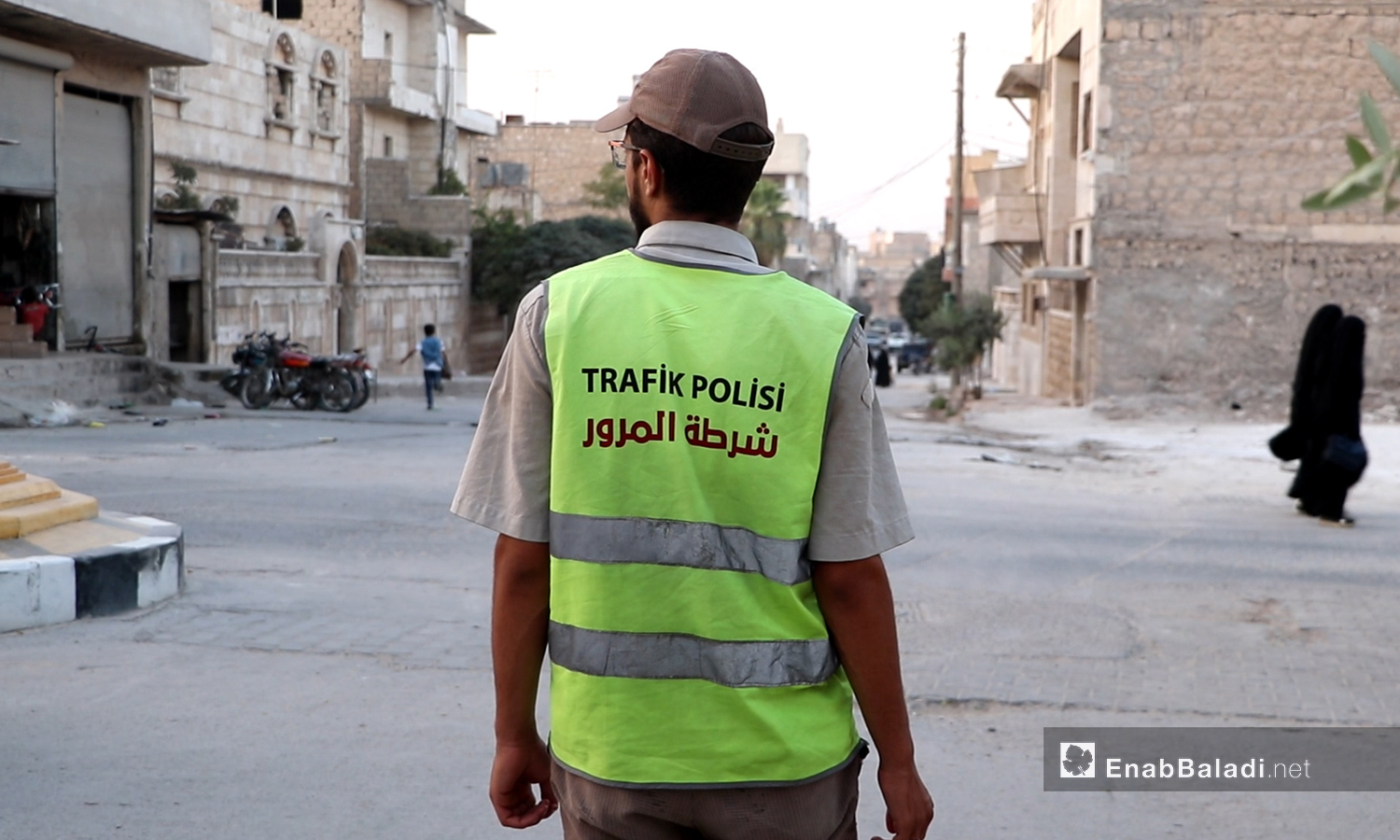 A traffic policeman in the city of al-Bab in the countryside of Aleppo - September 2020 (Enab Baladi)