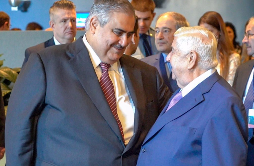 The Syrian Minister of Foreign Affairs Walid Al-Muallem meets with his Bahraini counterpart Sheikh Khalid bin Ahmed Al Khalifa on the sidelines of the United Nations General Assembly meetings- 27 December 2018 (Reuters)