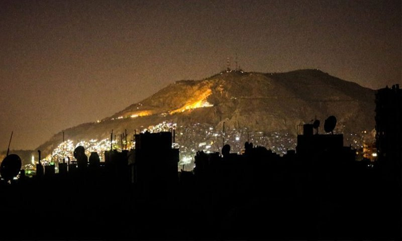Mount Qasioun overlooking Damascus city in the midst of power cuts in several areas (North Press Agency)
