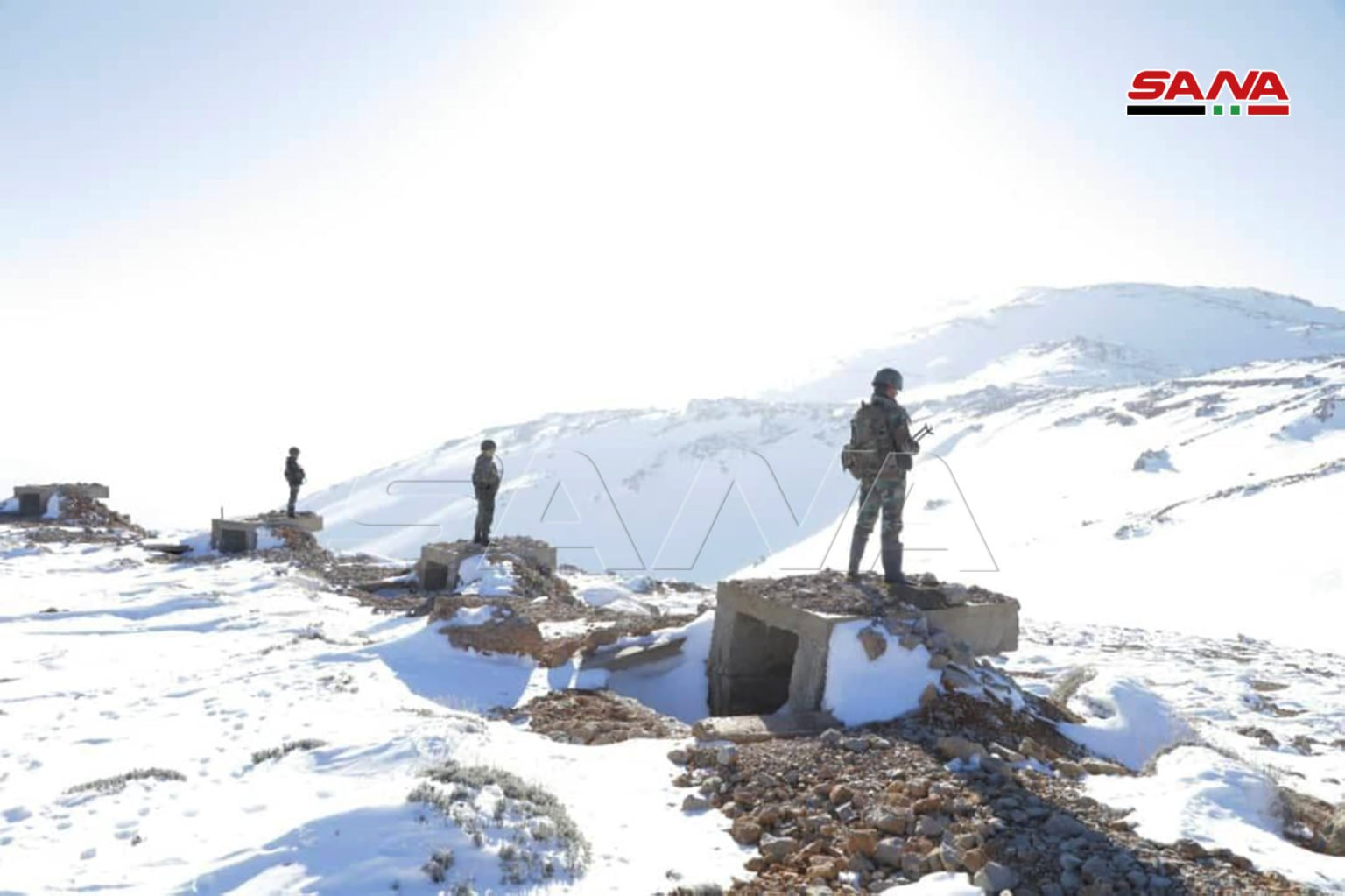 Personnel of the Syrian regime in Mount Hermon, which range covers the Syria-Lebanon- Palestine tri-border region—25 January 2021 (SANA)