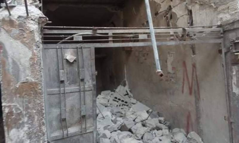 Images showing the continuation of theft and looting operations in the Yarmouk camp (the Action Group for the Palestinians of Syria (AGPS)