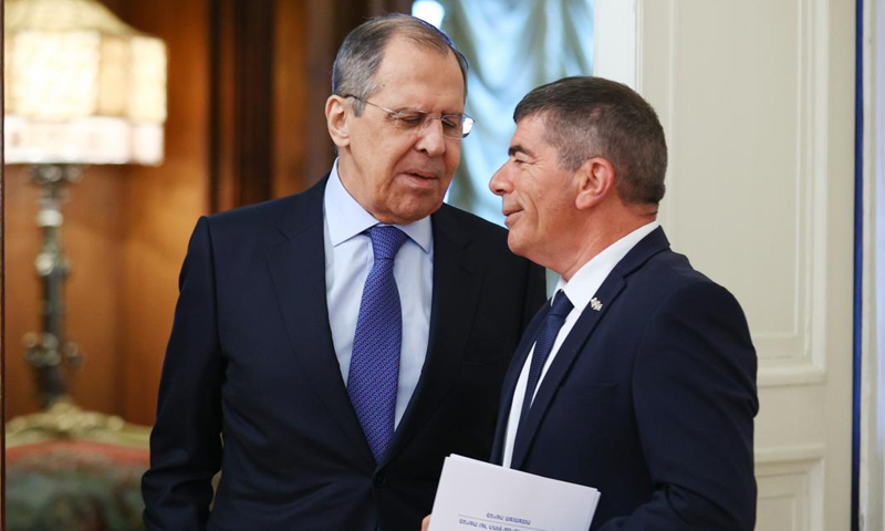 Russian Foreign Minister Sergei Lavrov and Israeli counterpart Gabi Ashkenazi - (Getty images)