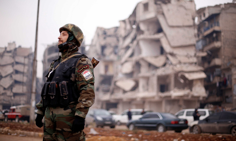 A fighter in the ranks of the Syrian regime forces in the city of Aleppo - 2016 (Reuters)