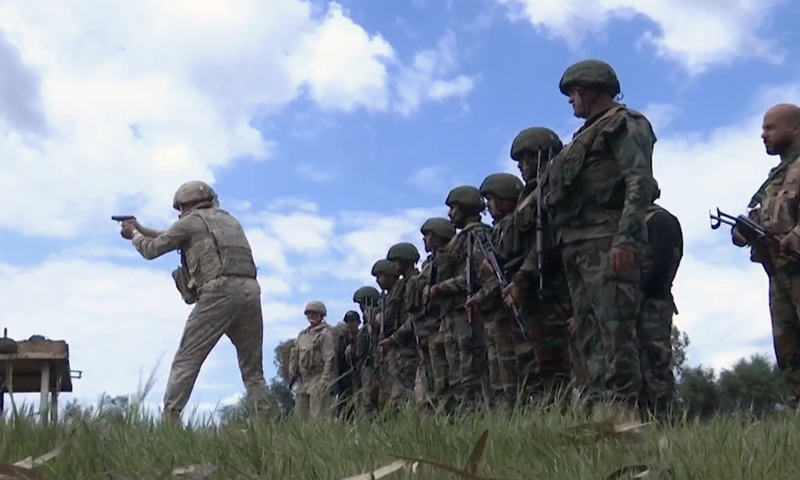 A screenshot taken from a video of Russian military training for the Syrian regime army - 14 April 2021 (Zvezda TV)