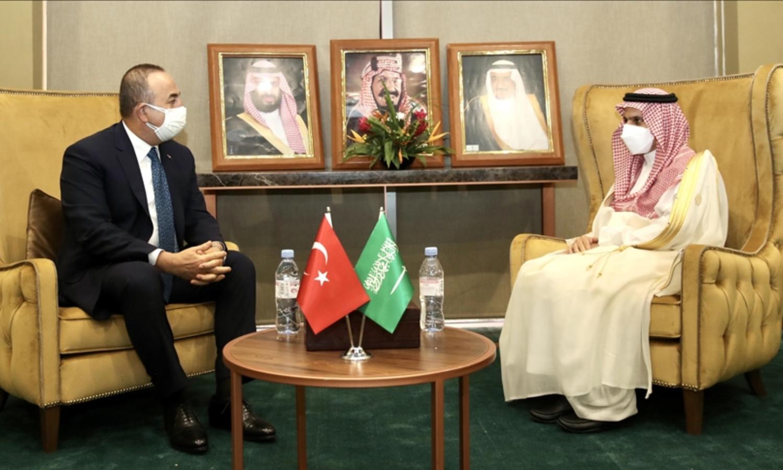 Turkish Foreign Minister, Mevlüt Çavuşoğlu, with the Saudi Foreign Minister, Faisal bin Farhan Al Saud (Anadolu Agency)
