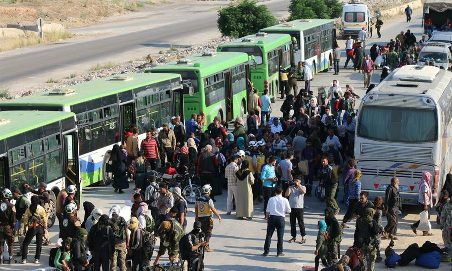 Families deported from Quneitra following a settlement agreement with the Syrian regime — 21 July 2018 (Anadolu Agency)
