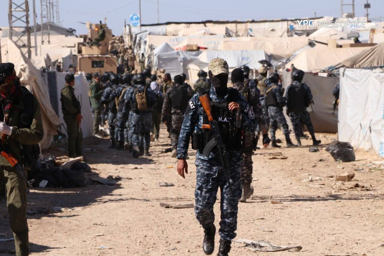 The Internal Security Forces (Asayish) carrying out an inspection at the al-Hol camp, northeast of al-Hasakah governorate, in search for Islamic State sleeper cells — 30 March 2021 (People's Protection Units (YPG's) media office)