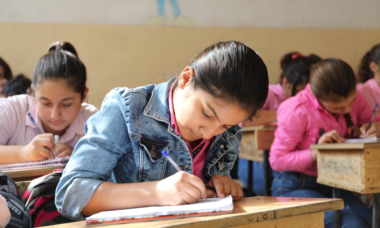 Female students in the city of Qamishli, northeastern Syria (Hawar News Agency)