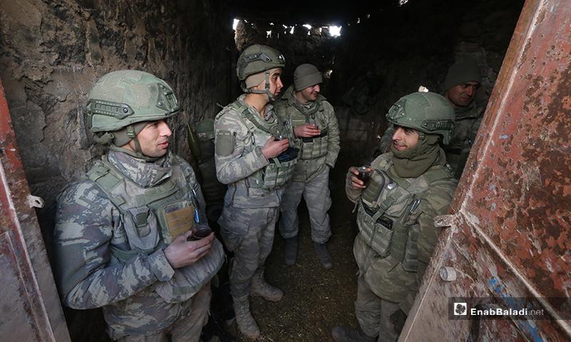 Turkish soldiers drinking tea before a military operation in Idlib - 10 February 2020 (Enab Baladi)