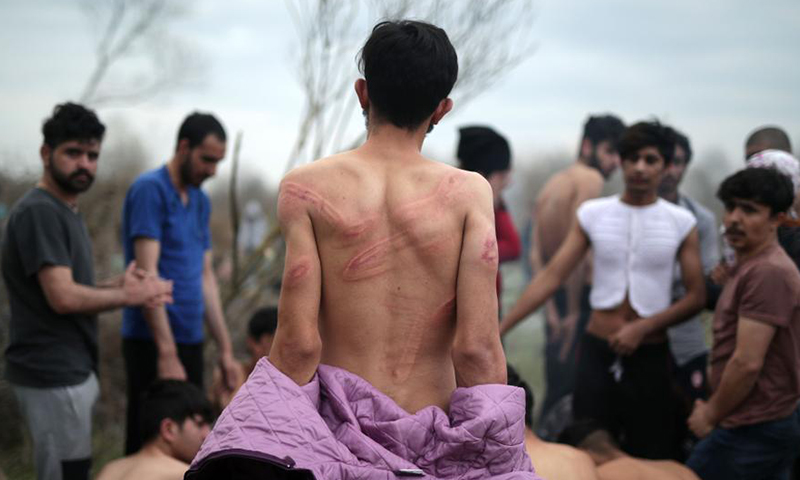 Syrian refugees were beaten by the Greek border guards, before being returned to Turkey - March 2020 (TRT)